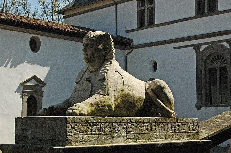 File:Le sphinx de la Bastie d'Urfé.jpg