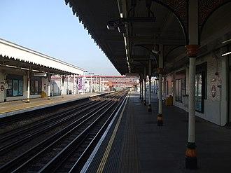 Leyton tube station - Image: Leyton tube east