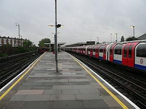 Leytonstone tube station - Image: Leytonstone tube station 01