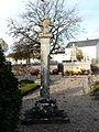 Limeyrat vieux cimetière croix.JPG