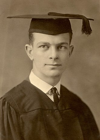 Square academic cap - Graduation portrait of Linus Pauling wearing a mortarboard, 1922