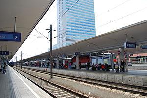 Linz Hauptbahnhof - View of the platforms.