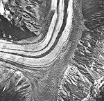 Lituya Glacier, tidewater glacier with wide moraines, September 16, 1966 (GLACIERS 5601).jpg