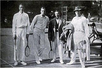 Gordon Lowe - Lowe (left) at Cannes, 1914