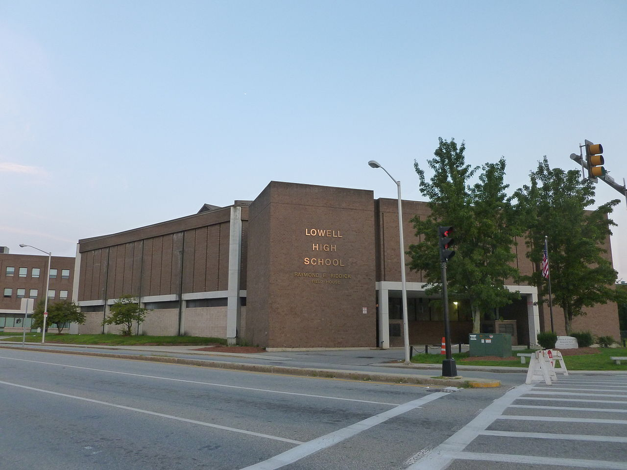 File:Lowell High School field house; Lowell, MA; 2011-08 ...
