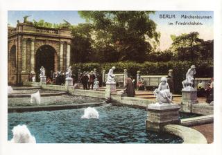 Märchenbrunnen  [Public domain], via Wikimedia Commons
