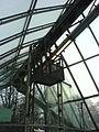München — St.-Quirin-Platz — U-Bahnhof — Fensterputzergondel.JPG