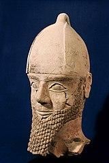 Tête d'une statue d'homme (82 2 1)