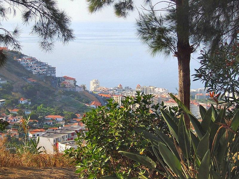 File:Madeira - Curral das Freiras Village (11912723585).jpg