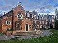 Main Court, St Edmund's College.jpg