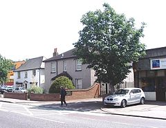 Main Road, Gidea Park in 2007.jpg