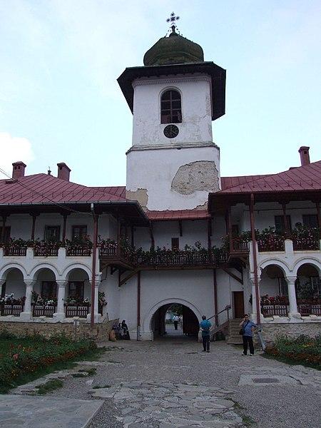 File:Manastirea Agapia.jpg