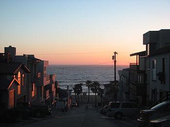 Houses close to the shore, Manhattan Beach, CA