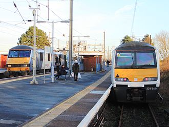 Manningtree railway station - Two trains at Manningtree station