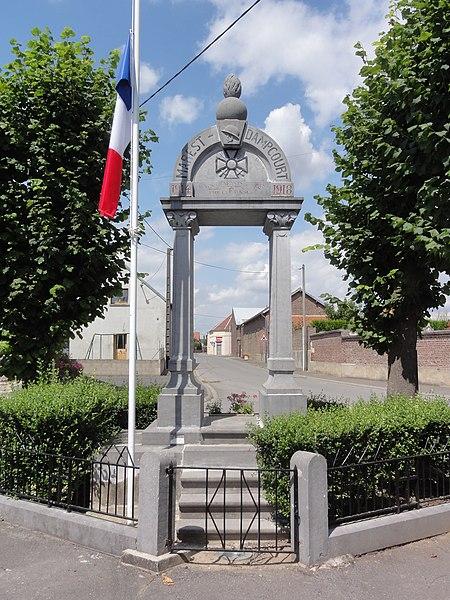 Marest-Dampcourt (Aisne) monument aux morts