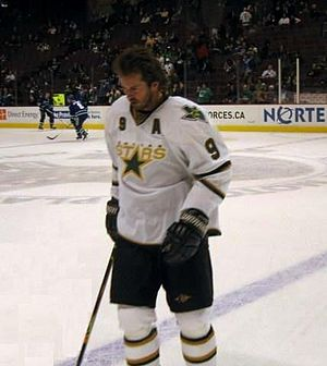Sports in Texas - Dallas Stars center Mike Modano in 2006.