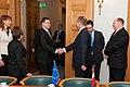 Ministru prezidents Valdis Dombrovskis tiekas ar EK viceprezidentu un Transporta lietu komisāru Sīmu Kallasu (6688535881).jpg
