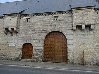Monceaux-en-Bessin - The entrance to Crémel Manor