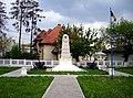 Monumentul eroilor - Chitila. 2011.05.01.jpg