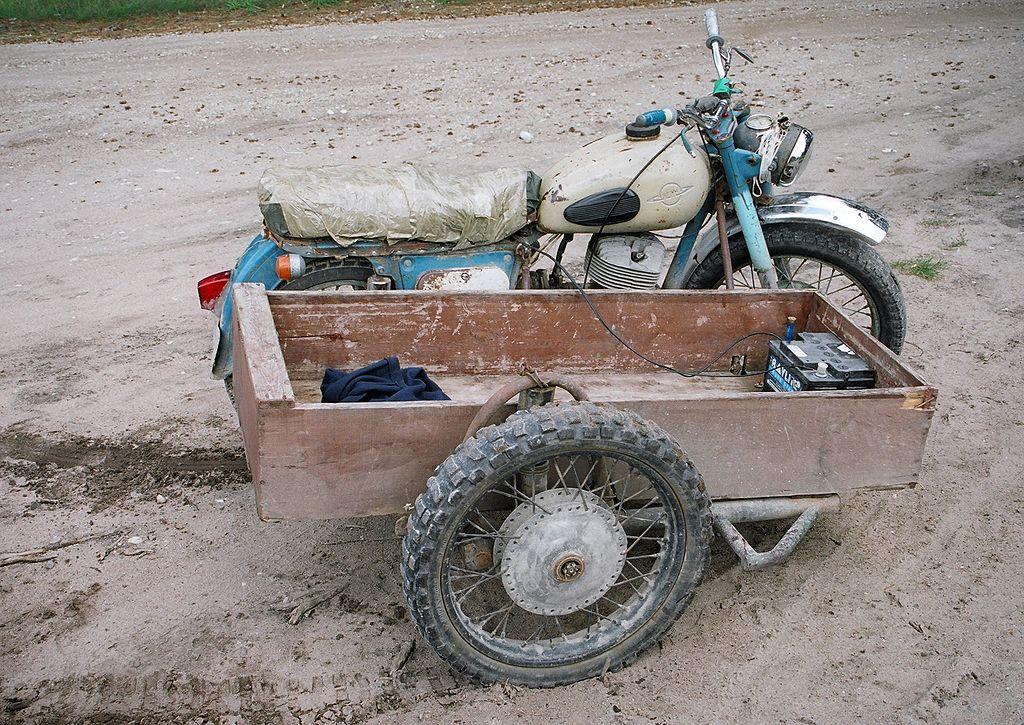 """""""Rat bike"""", c'est quoi cette bestiole ? 1024px-Moto-Iz-2005"""