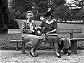 Nők a padon 1940-ben Budapesten, a Városmajorban Fortepan 71435.jpg