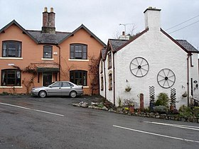 Nantglyn cottages - geograph.org.uk - 142415.jpg