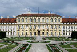 Neues Schloss Schleissheim Westseite-1.jpg