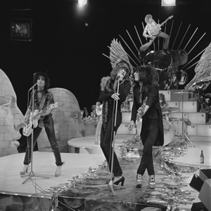 New York Dolls (album) - The New York Dolls performing on TopPop in 1973