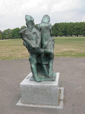 Wandsworth Park - Nexus sculpture by Alan Thornhill