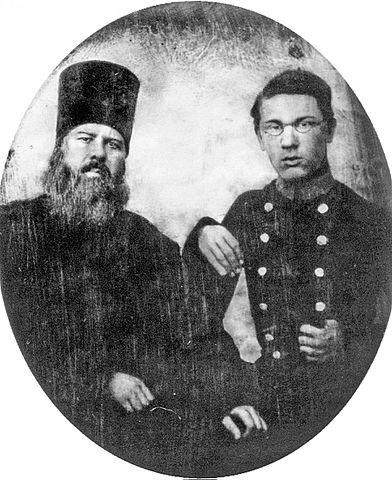 Николай Добролюбов с отцом. 1854г. Фото И.Ф.Александровского.