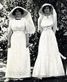 Nona and Agnes (Daisy) Hay 1913.jpg