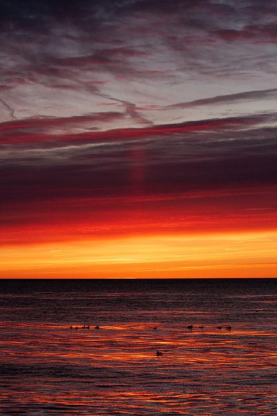 400px-North_Point_Sunrise_20090201_0622