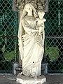 Noyon (60), cathédrale Notre-Dame, cloître, galerie ouest, Vierge à l'Enfant 2.jpg