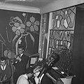 Nozems en modernisten vieren op hun manier Kerstmis in de Modern Jazzclub, Bestanddeelnr 911-9095.jpg