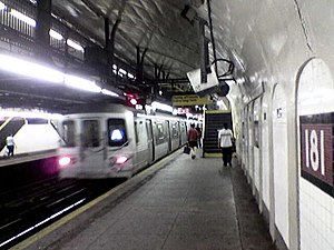 181st Street (IND Eighth Avenue Line) - Image: Ny subway A181 uptown platform
