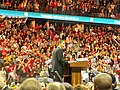Obama addresses the crowd (2261512789).jpg