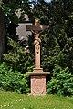 Oberursel, alter Friedhof, Kreuz von 1739.JPG