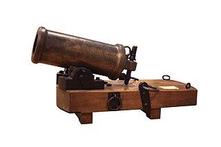 Large calibre but light piece of naval artillery