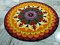 Onappookkalam Цветочный ковер Nithyananda Ashram Kanhangad 2019.jpg