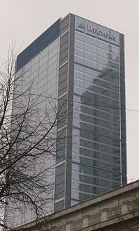 One Indiana Square, Regions Bank, Indy, 2009.JPG