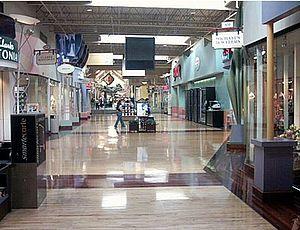 Ontario Mills - Image: Ontario Mills interior