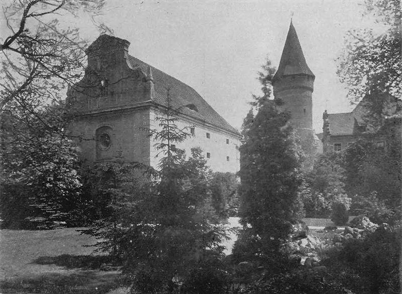 File:Oppeln Schlosskapelle.jpg