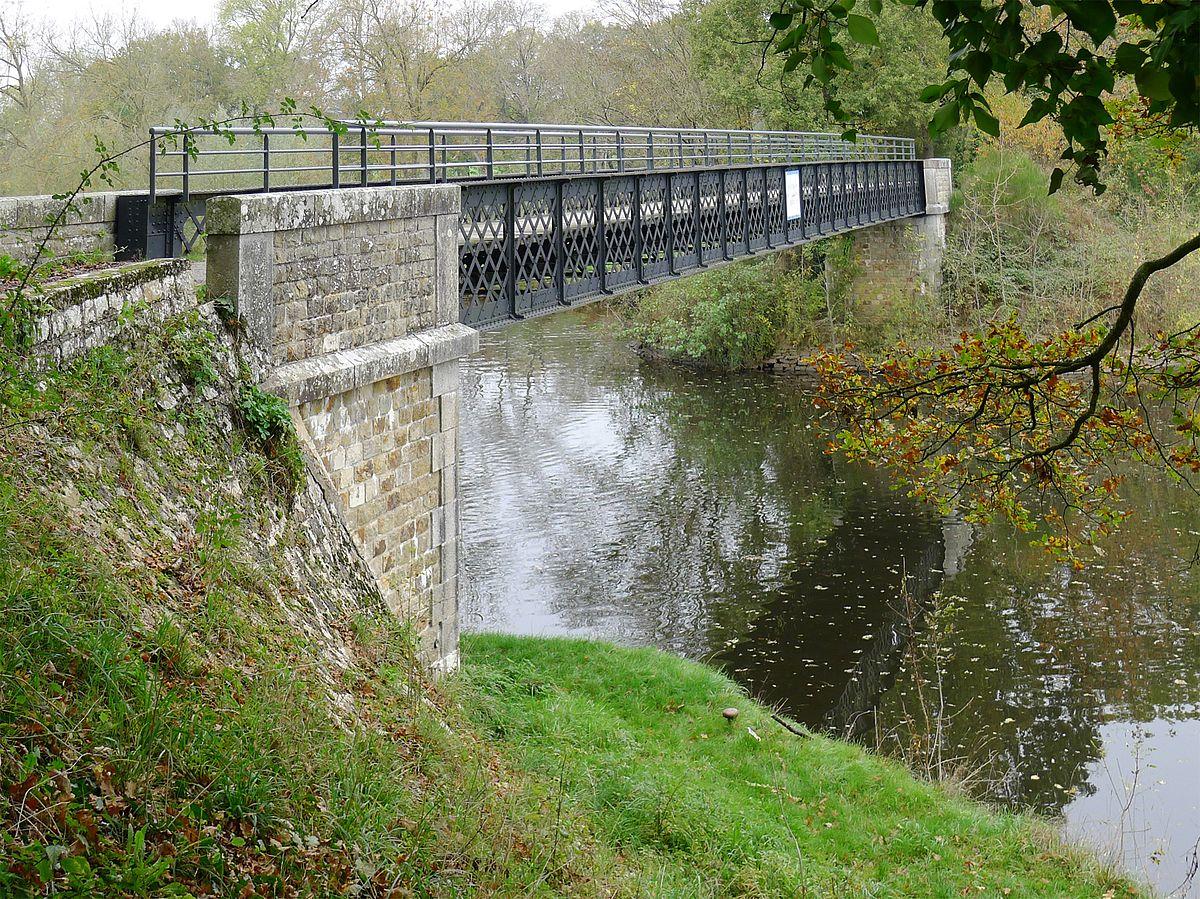 P1280932 Maine-et-Loire Oudon pont rwk.jpg