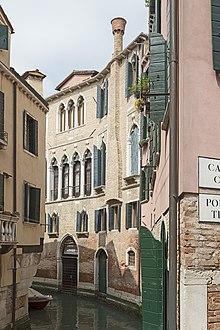 Palazzo Centani birthplace of Goldoni in Venice (Source: Wikimedia)