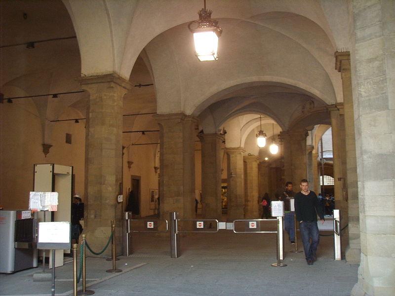 File:Palazzo vecchio, cortile della dogana 02.JPG