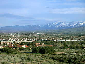 Palmdale, California - Palmdale, looking southeast toward the Antelope Valley Freeway and the San Gabriel Mountains