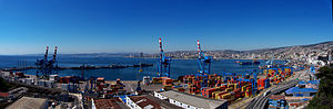 Una Típica imagen panorámica de Valparaiso, Chile.