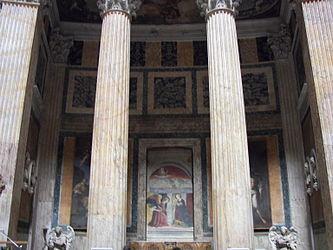 Pantheon interior columns.jpg