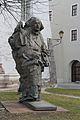 Paracelsus-Statue, Hallein 01.jpg