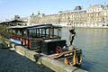 Paris, Louvre Palace and Restaurants boat, 2009.jpg